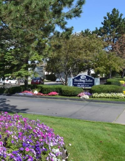 sterling-lake-apartments-for-rent-in-sterling-heights-mi-gallery-1